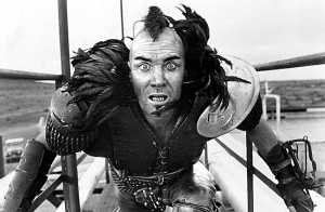 Guy Norris como Bearclaw Mohawk en Mad Max 2